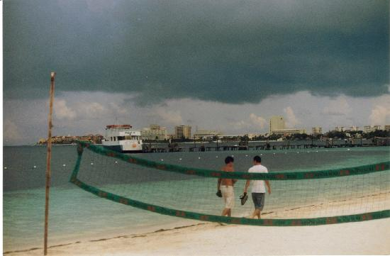Avalon Bay Cancun : Storm coming  didn't happen