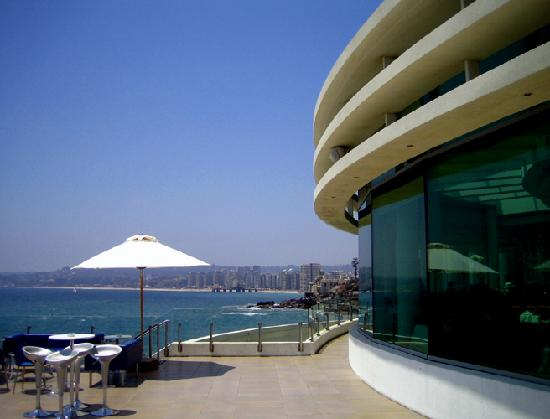 Sheraton Miramar Hotel & Convention Center: View on the terasse