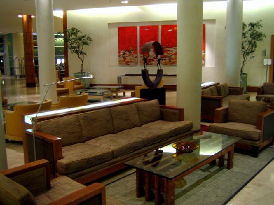 Sheraton Miramar Hotel & Convention Center: In the lobby