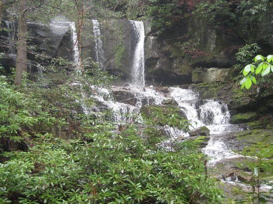South Carolina: Beautiful waterfall along the way