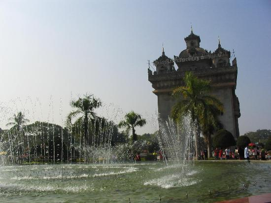 Vientiane - musical water fontaine