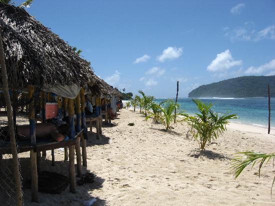 Lalomanu Beach: Beach fales on Lalomanu