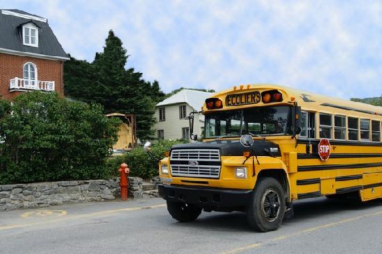 Bus scolaire picture of la maison gauthier tadoussac for Auberge maison gauthier tadoussac