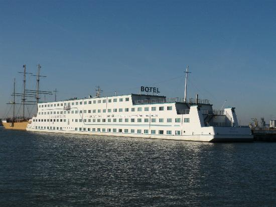 The amstel botel
