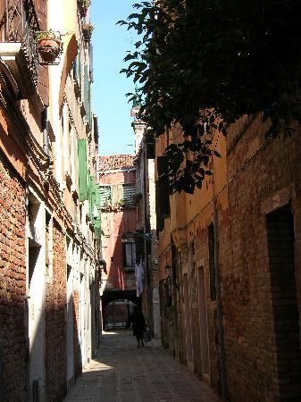 B & B Al Saor: Une ruelle calme...