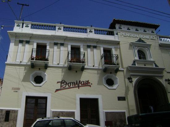 ペンション ボニファズ ホテル