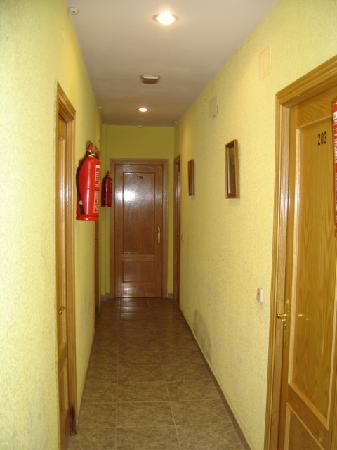 Hostal Emilio : Upstairs hallway