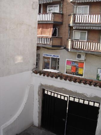 Hostal Emilio : Looking out the window