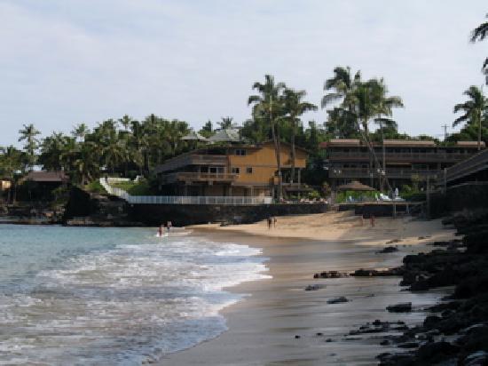 Kahana Sunset: The beach area