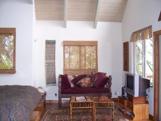 Aloha Cottage: seating