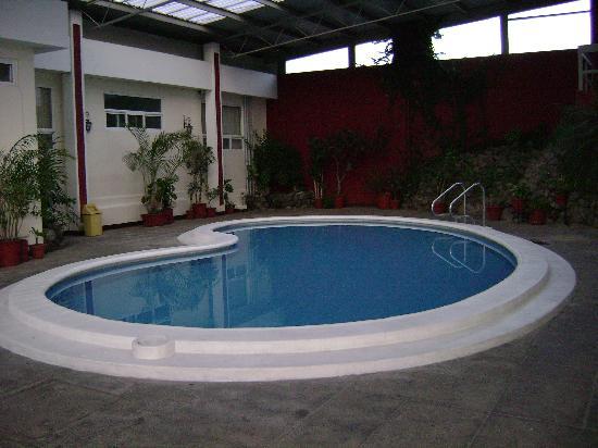 Pension Bonifaz Hotel: Swimming Pool.