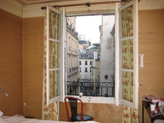 Hotel La Louisiane: lookout from the window