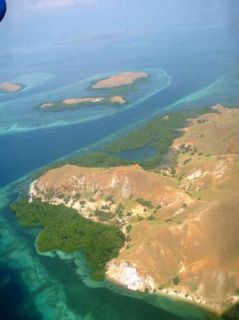 East Nusa Tenggara, Indonesien: Rough Komodo Island - bird's eye view