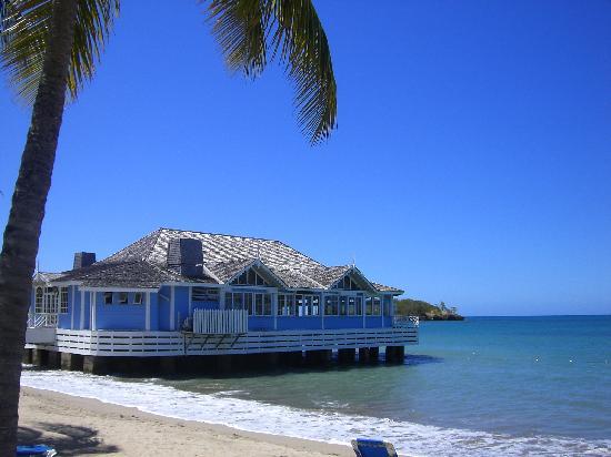 Sandals Halcyon Beach Resort: The Pier Restaurant