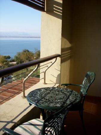 Jordan Valley Marriott Resort & Spa : Balcony in hotel room