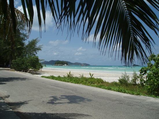 Praslin, Seychellerna: And another one from the road seen
