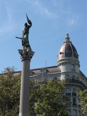 Montevideo, Uruguay: plaza cagancha -- 18 de julio