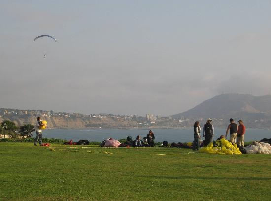 Extreme Sports Cafe's Paragliding School: Area where you run off the cliffs