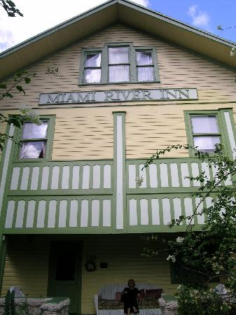 Historic Miami River Hotel: front of inn