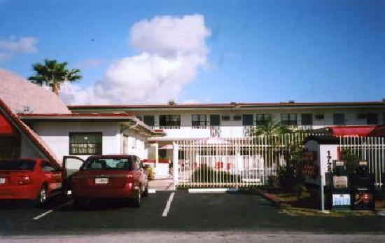 Econo Lodge (view from Taft St)