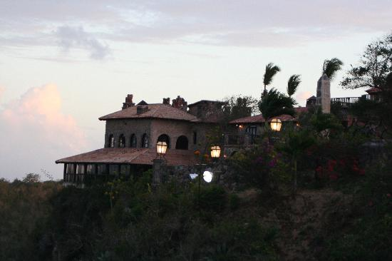 Casa de Campo: altos de chavon in evening