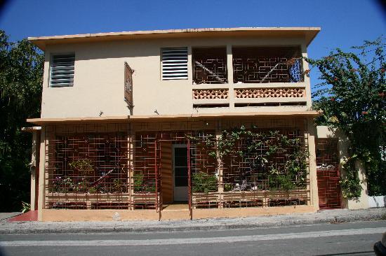 Casa de Amistad: front entrance