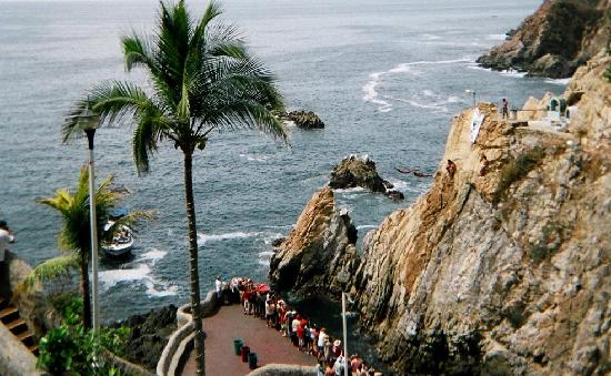 Calinda Beach Acapulco: Cliff Divers