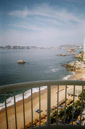 Calinda Beach Acapulco: View from the room (1107)