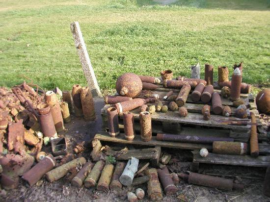 Unexploded munitions, Varlet Farm