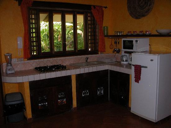Villas Kalimba: Kitchen area of villa