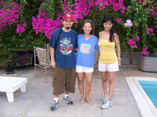 The Blue House Boutique Bed & Breakfast: Javi, Elise, & Monika by the Pool Garden