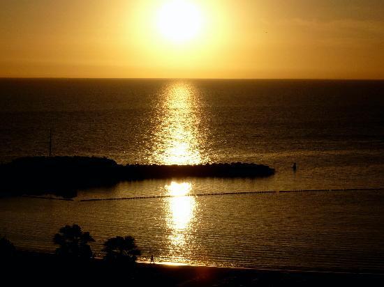Playa de Amadores: Sunset in Amadores Beach