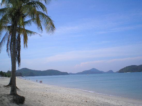 Sunset Beach Resort: beautiful white sand beach
