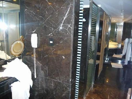 Sheraton Libertador Hotel: Presidential suite: bathroom (very nice)
