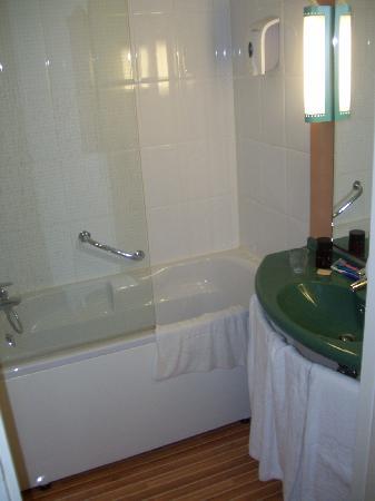 Ibis Brugge Centrum: bathroom