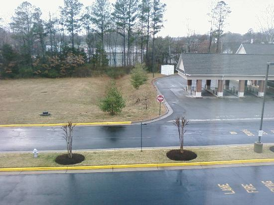 Hampton Inn Richmond - North / Ashland: View out of room towards the west