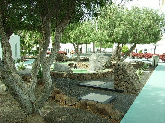 Nautilus Lanzarote: a view of the gardens