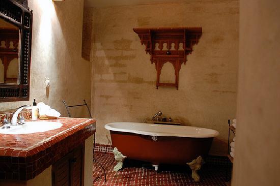 Dar Roumana: The Roumana Suite bathroom