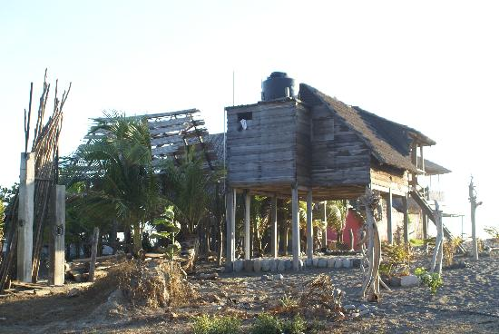 Nexpa Beach: Rustic accommidations