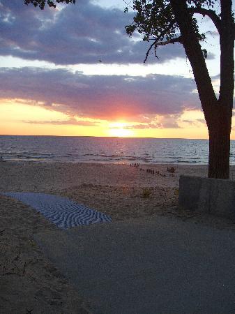 Silver Beach County Park: Sunset at Silver Beach