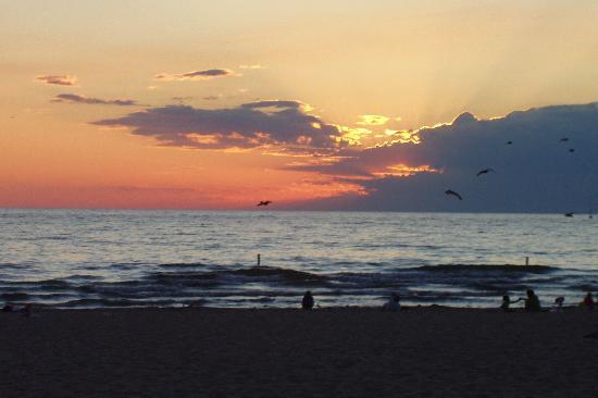 Silver Beach County Park: Summer Sunset