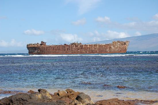 Lanai City, Hawái: The shipwrecked boat from WWII.