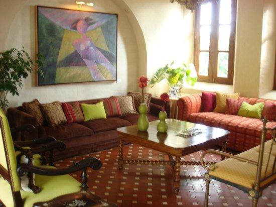 La Casa de Lourdes : Lounge by PanamaMark