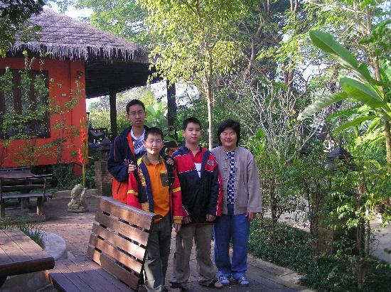 Baan Nam Ping Riverside Village: Khun Lin and my son