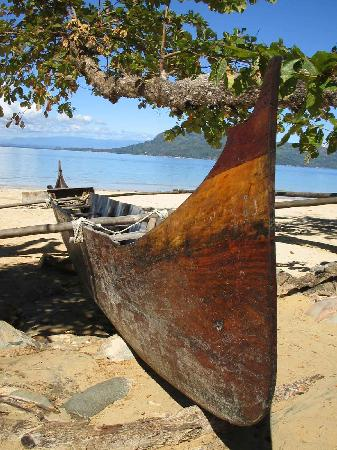 Tsara Komba Luxury Beach Forest Lodge: FISHERMANS BOAT