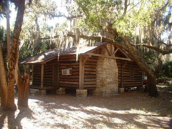 Cabin front picture of myakka river state park sarasota for Florida state parks cabins