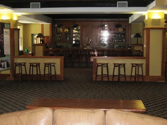 Jackson Gore Inn: Lobby Bar