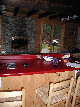 Moosehead Hills Cabins: counter bar in kitchen