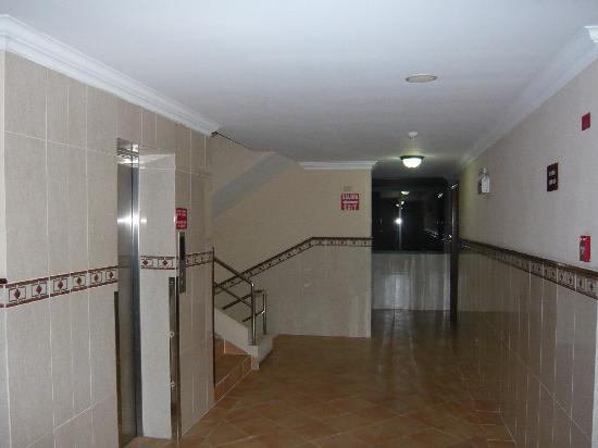 Hotel Milan: pasillo