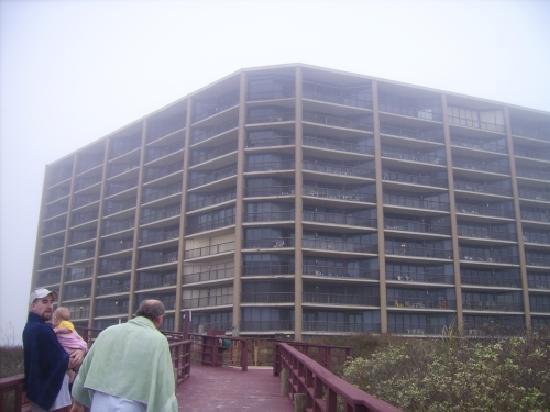 Sea Gull Condominiums: length from beach to hotel